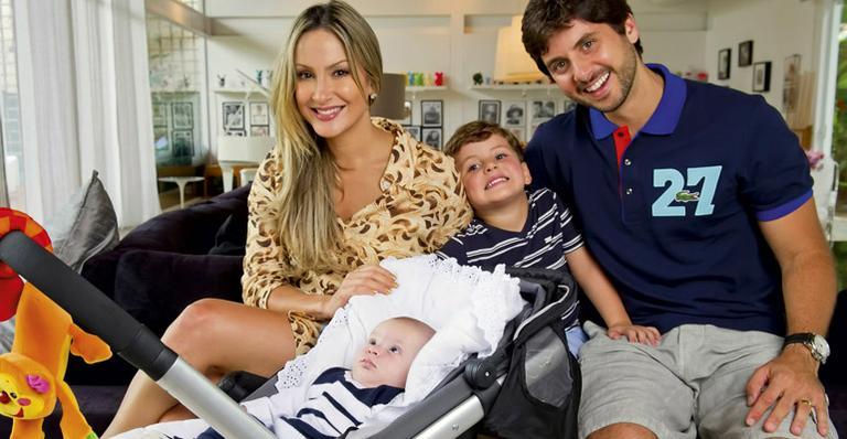 Cláudia Leitte quer ter mais um filho - Show de Alegria